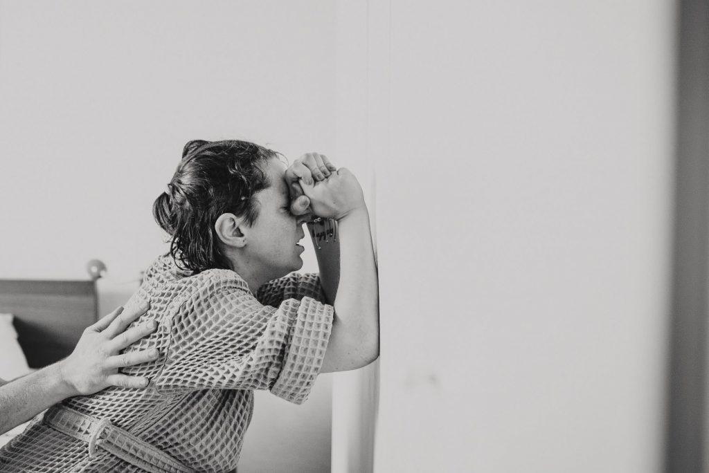 Fotos und Interview zu Sarahs Hausgeburt - mit Fotos von Lieblingsbilder #hausgeburt #fotos #interview #geburt #geburtserlebnis #geburt #baby #fotografie
