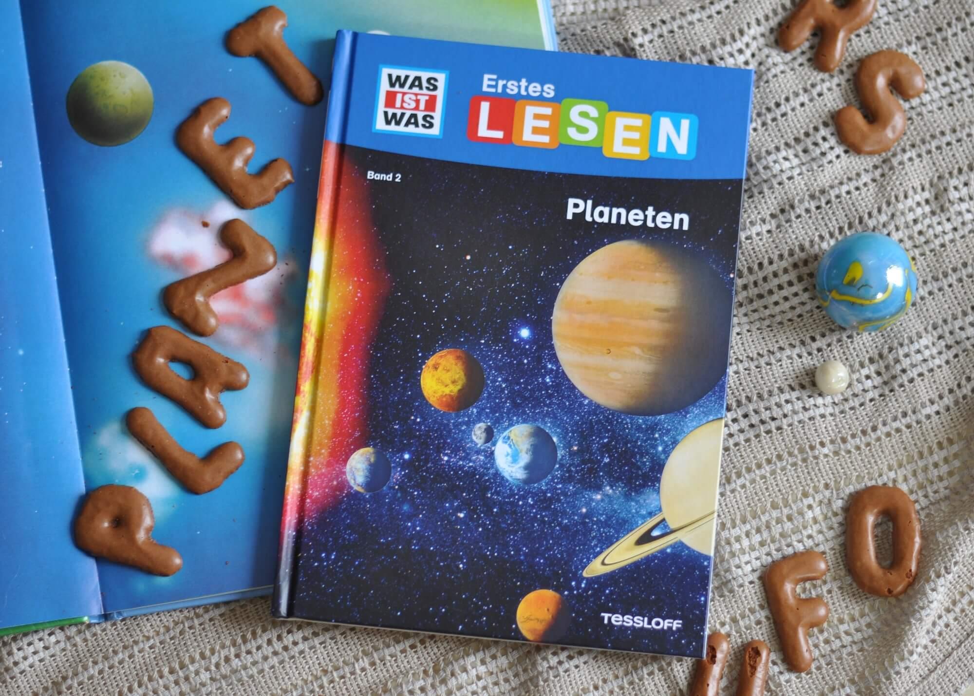 WAS IST WAS Erstes Lesen ist eine Sachbuch-Reihe für Grundschulkids. In Band 2: Planeten können Leseanfänger sich selbst rund um unser Sonnensystem schlau machen. #planeten #wasistwas #kinderbuch #sachbuch #leseanfänger #grundschule #sonnensystem