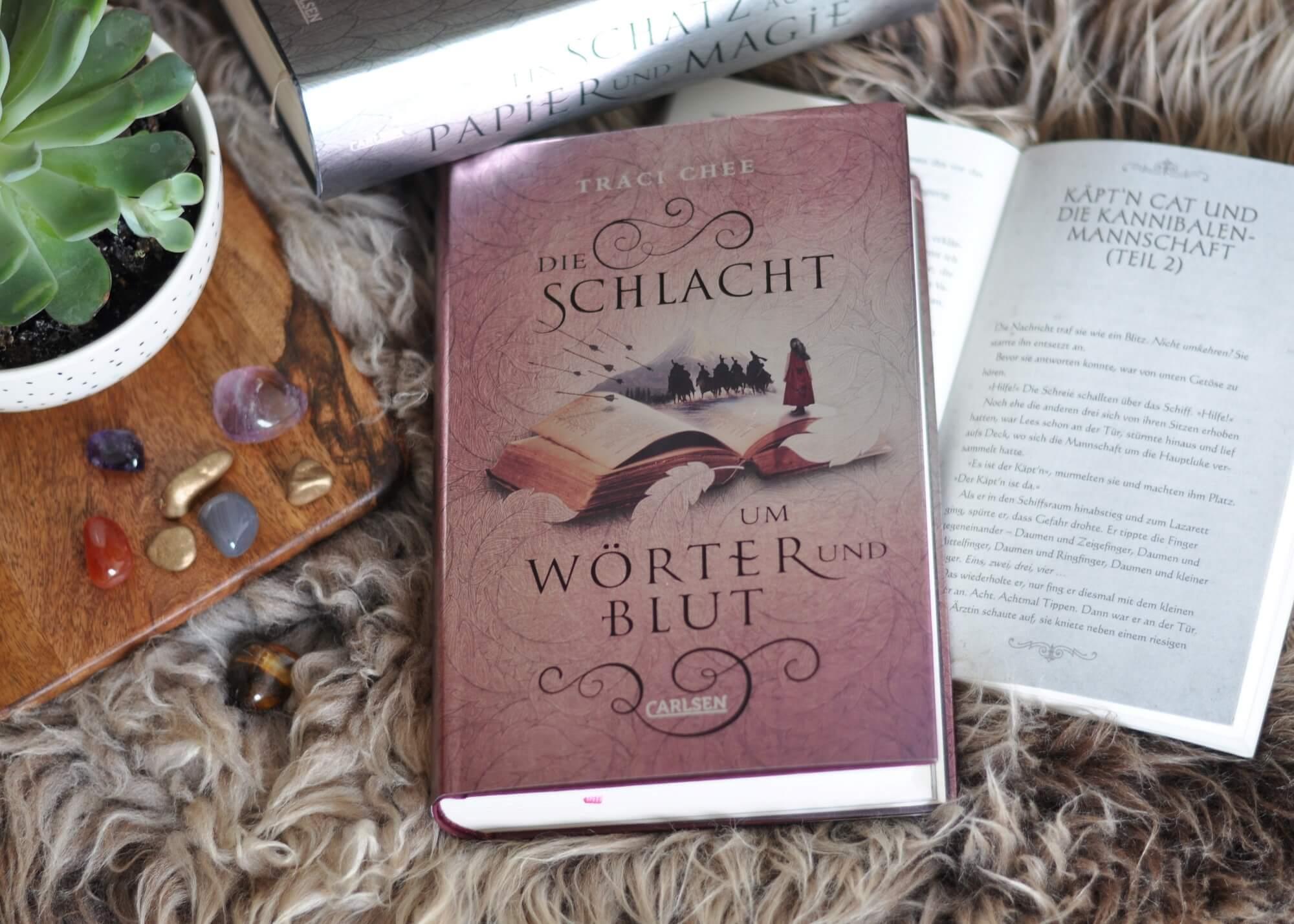 """Was geschrieben steht, trifft immer ein! Die Fantasy-Triologie """"Das Buch von Kelanna"""" ist eine Hommage an das Lesen selbst. Und wirft die Frage auf: Was ist Schicksal und was freier Wille? Magie, Liebe, Kämpfe, Verrat, Rätsel und Piraten - wer das liebt, liest hier genau richtig. #magie #fantasy #lesen #buch #wörter #geschichte #piraten #triologie #liebe #romancy"""