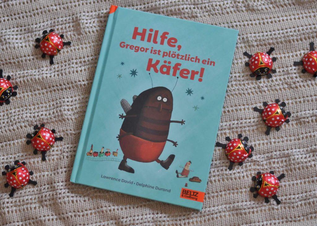 Eines Morgens wacht Gregor auf und ist ein Käfer. Nur scheint das niemand zu bemerken - weder seine Mama, noch sein Papa oder seine Schwester sehen, dass Gregor ein Käfer ist. Bildet er sich alles nur ein?  #Käfer #lesen #kinderbuch #zuhören #eltern