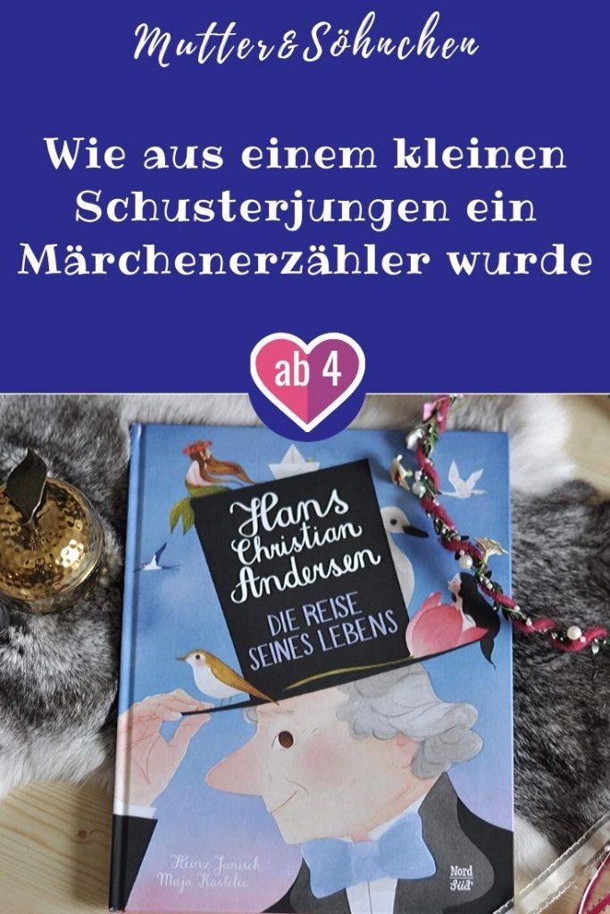 Eine Kutsche fährt Richtung Kopenhagen. Darin befinden sich das Mädchen Elsa, seine Mutter und ein weiterer Passagier, der sich als Hans Christian Andersen vorstellt. Und weil die Reise lange dauert, erzählt Andersen Elsa von dem Märchen seines Lebens: Wie aus dem Sohn eines Schuhmachers ein gefeierter Schriftsteller wurde. #andersen #märchen #bilderbuch #vorlsene #sachbuch #graphicnovel