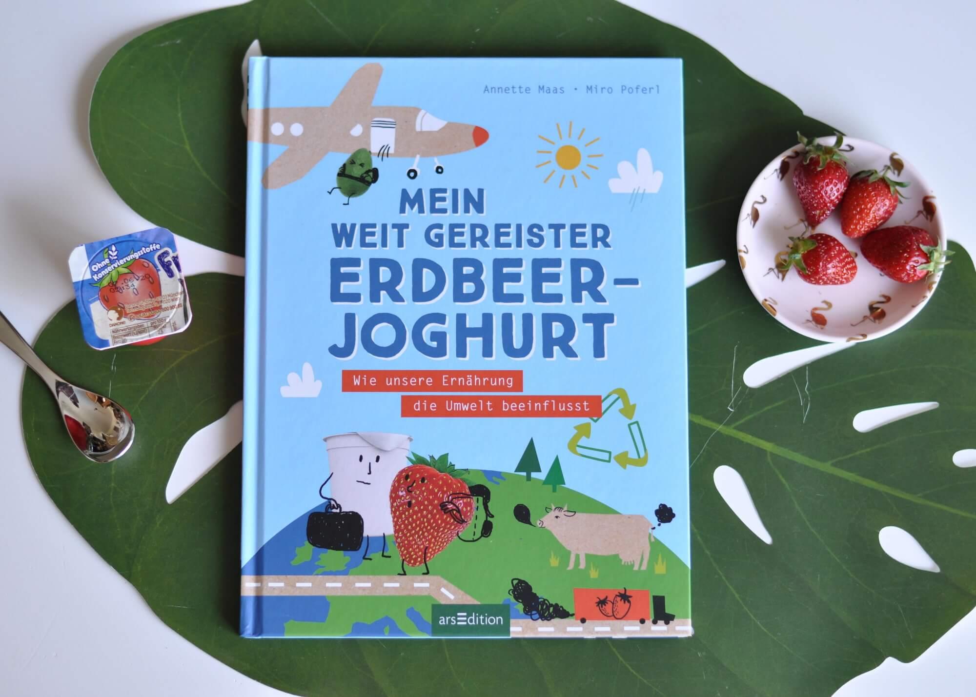 In Mein weit gereister Erdbeerjoghurt kommen verschiedene Themen zur Sprache: was das Pausenbrot mit dem ökologischen Fußabdruck zu tun hat, warum in einem Erdbeerjoghurt 9000 km Transport stecken, ob wir Fische bald nur noch im Aquarium sehen, was die Sojabohne mit dem Regenwald zu tun hat, aber auch, wie sich unsere Ernährung auf unseren Körper auswirkt. #sachbuch #ernährung #essen #buch #kinder #vegetarisch #lesen #umwelt #klima