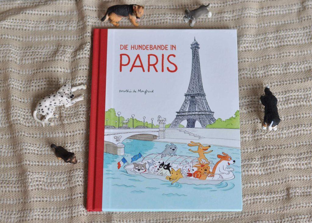 Onkel Jakob feiert seinen hundertsten Geburtstag und lädt die Hundebande zu seiner Feier nach Paris ein - juhuu. Schnell machen sich Kaki, Micha, Zaza, Alex, Omar, Nono, Pedro, Jane und Popow fertig und fahren mit dem Zug in die französische Hauptstadt. Aber Paris ist eine sehr große Stadt, wie soll man da die richtige Straße finden? #comic #paris #lesen #hunde #hundebande #geschenk #sightseeing