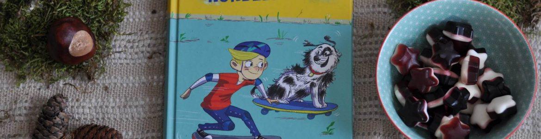 Arthur wünscht sich nichts sehnlicher als einen Hund. Deshalb ist er überglücklich, als er eine Woche lang auf Lucky aufpassen darf, den Hund von Bekannten seiner Eltern. Doch nachdem er mit Lucky im Garten getobt hat, passiert etwas Unfassbares: Arthur wacht am nächsten Morgen in Luckys Hundekörper auf und Lucky in Arthurs Jungenkörper! #hund #tausch #lesen #vorlesen #wunsch #tier #haustier #kinder #buch