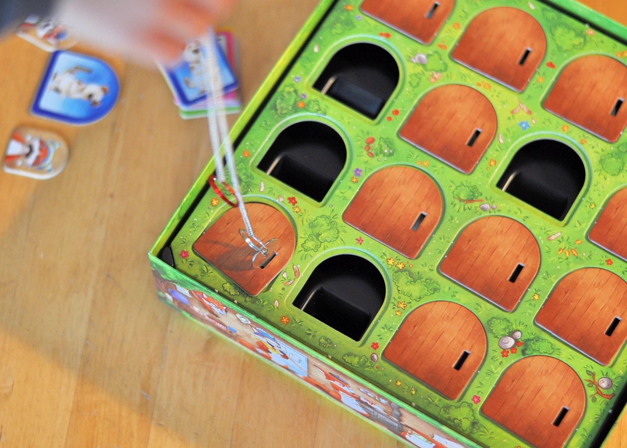 Fuchs du hast das Huhn gestohlen - Geschicklichkeitsspiel für kleine Detektive, Rezension auf Mutter&Söhnchen