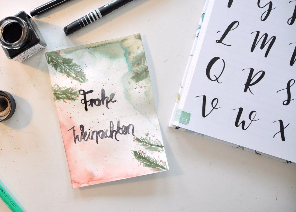 Handlettering Watercolor, mit Aquarellfarben Weihnachtskarten gestalten und Grußbotschaften erstellen, mein Buch-Tipp auf dem Blog
