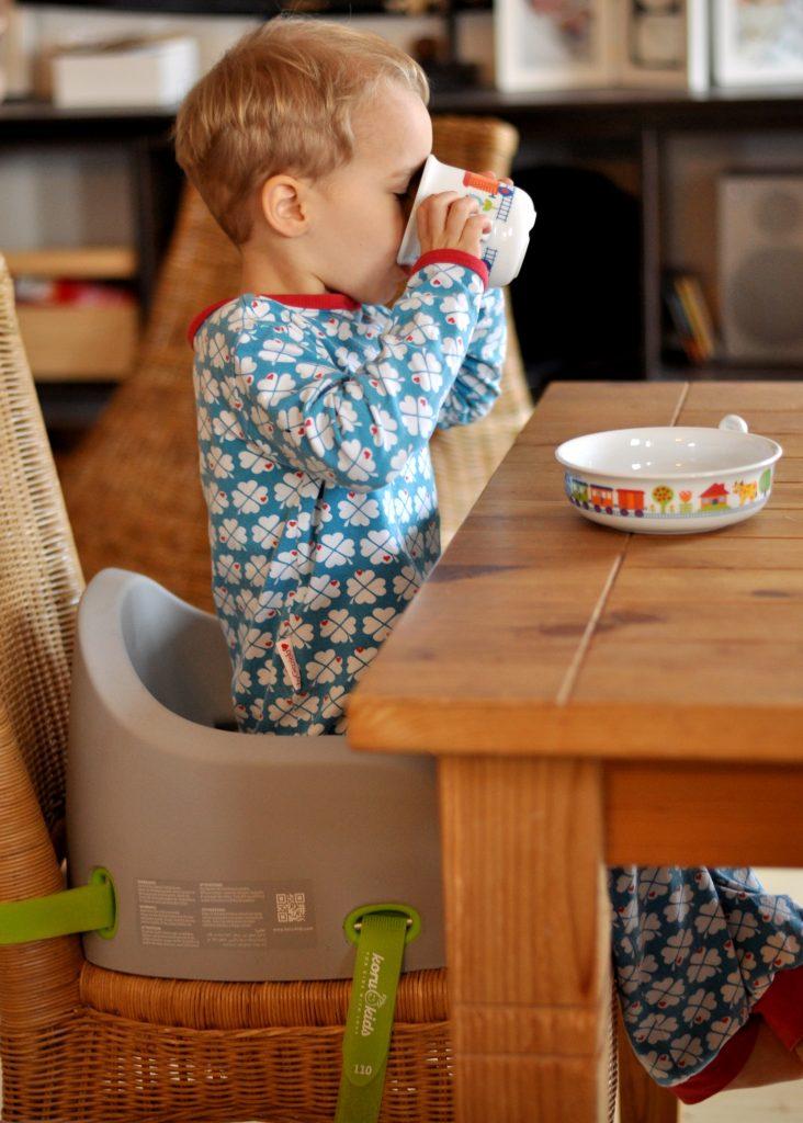 Koru Kids Booster Seat - Produkttest auf Mutter&Söhnchen