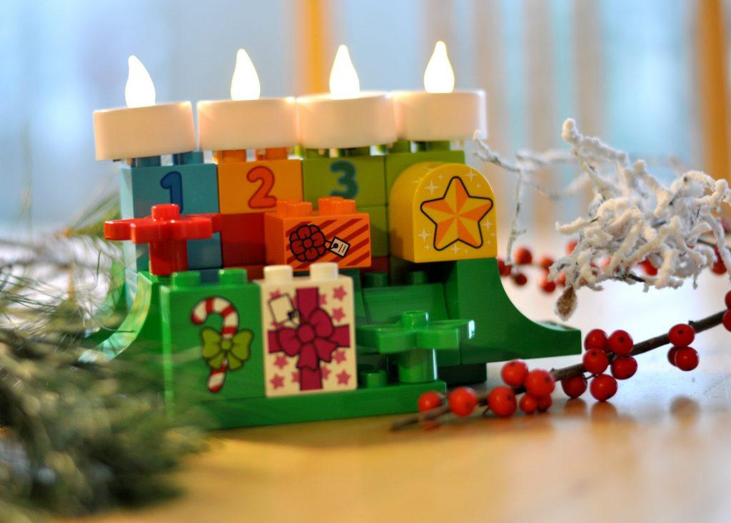adventskranz co weihnachtliche bastelideen mit lego. Black Bedroom Furniture Sets. Home Design Ideas