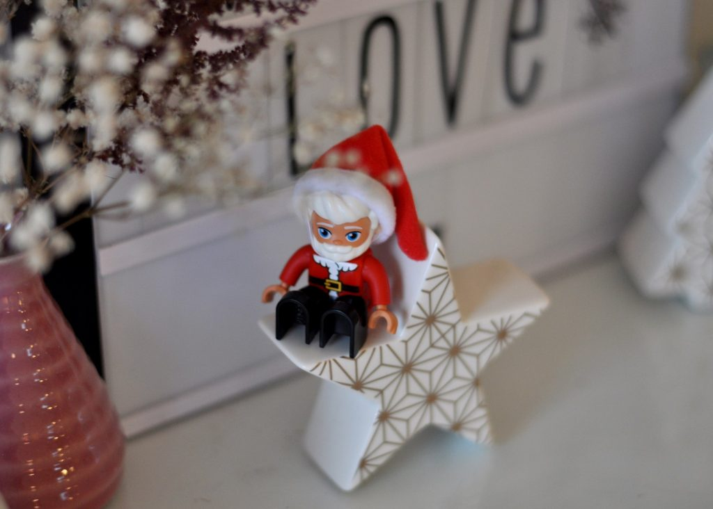 Lego Weihnachtswichtel - mehr weihnachtliche Bastelideen mit Lego Duplo findet ihr auf Mutter&Söhnchen