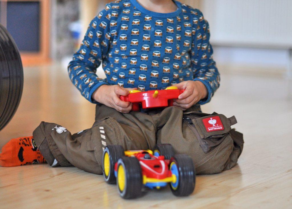 Tire Twister - ferngesteuertes Auto für Kinder ab 3 Jahren, Produkttest auf Mutter&Söhnchen