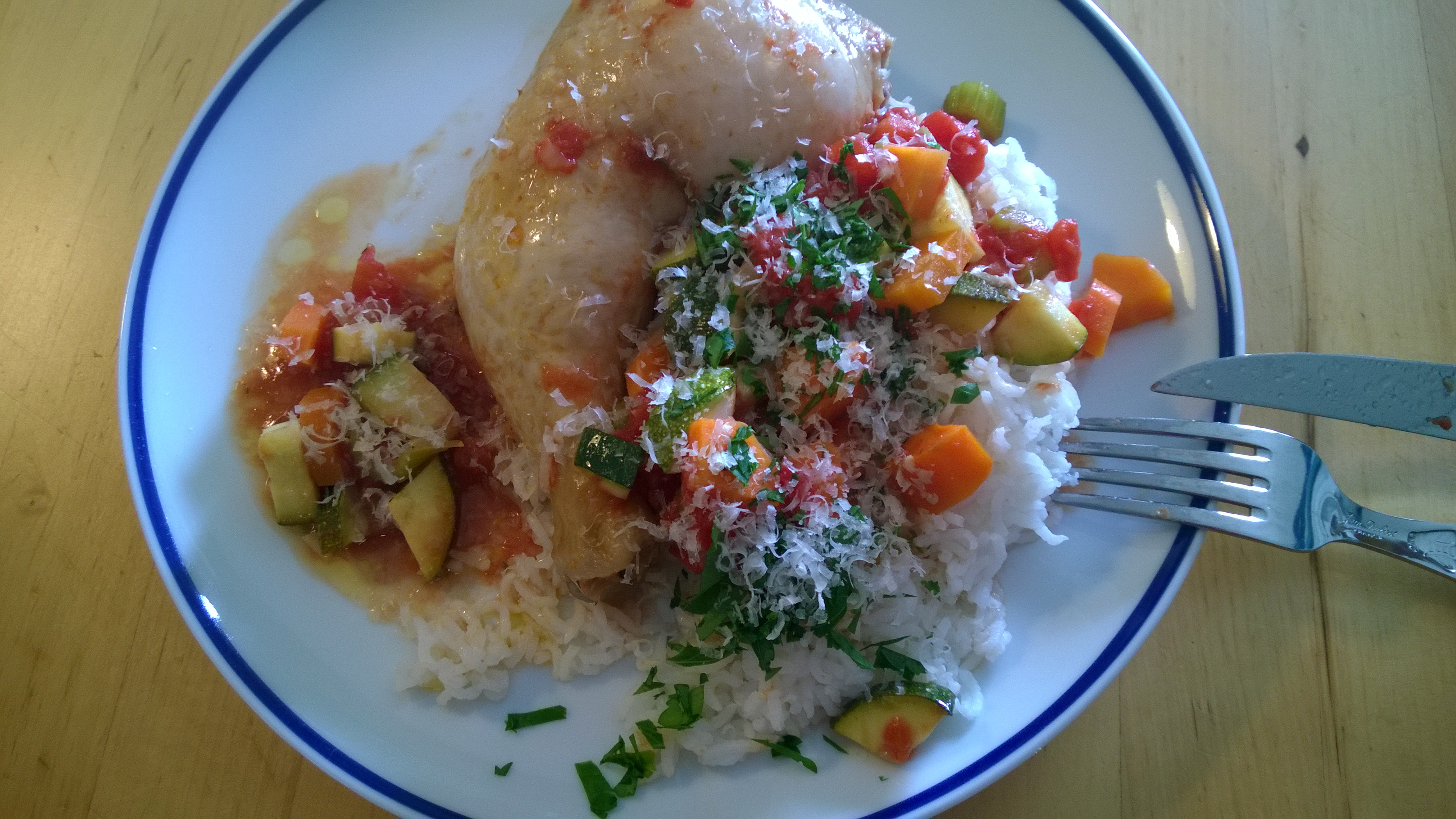 Und auf dem Teller macht sich das Hühnchen auch ganz gut.